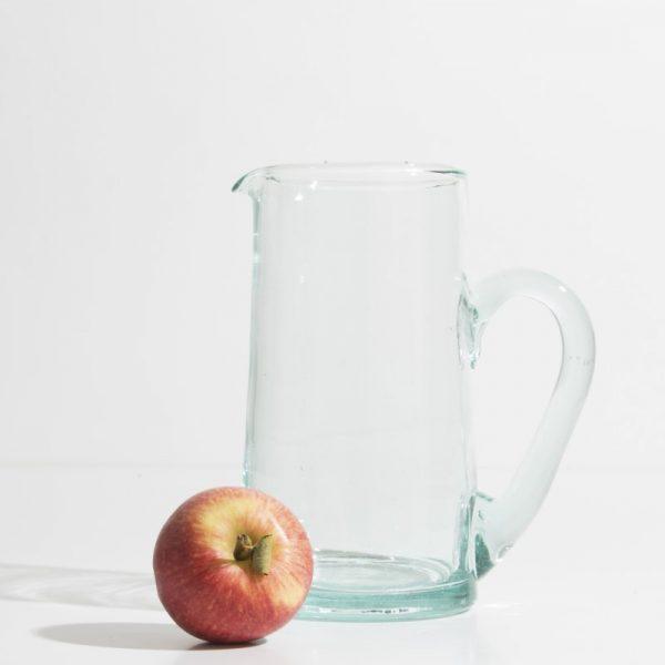 kessy-beldi-glaskaraffe-envers-aus-recyceltem-glas-transparent-e36.jpg